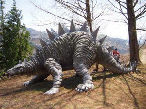 恐竜パークで発掘体験…のはずが