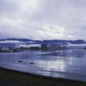 夜の諏訪湖、そして朝の諏訪湖